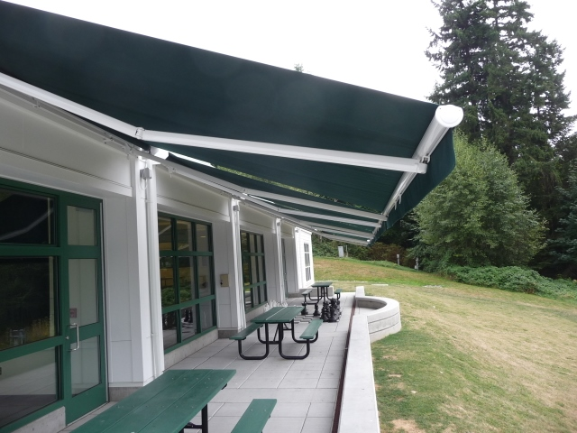 overlake-school-retractable